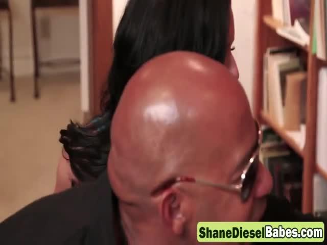 Shane Diesel Licking Pussy