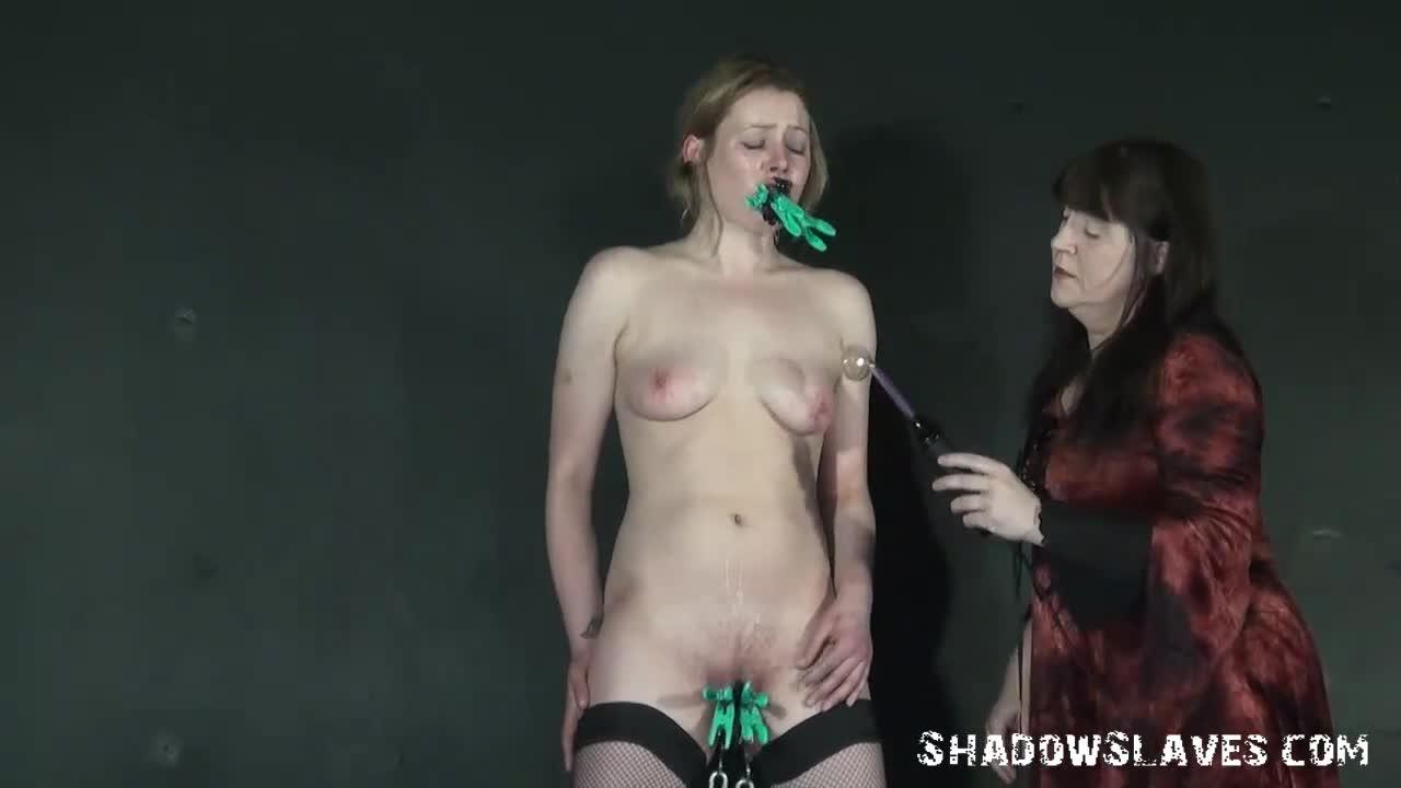 Anal Fisting Slave Girl