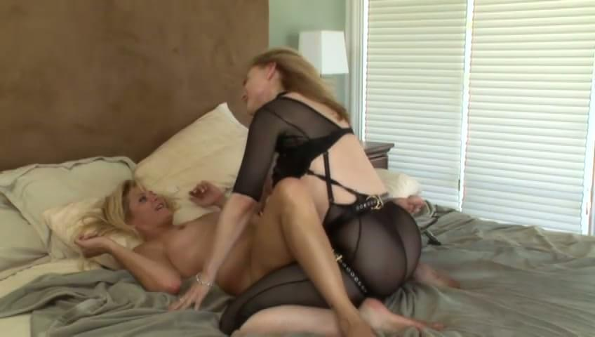 Nina Hartley Lesbian Threesome
